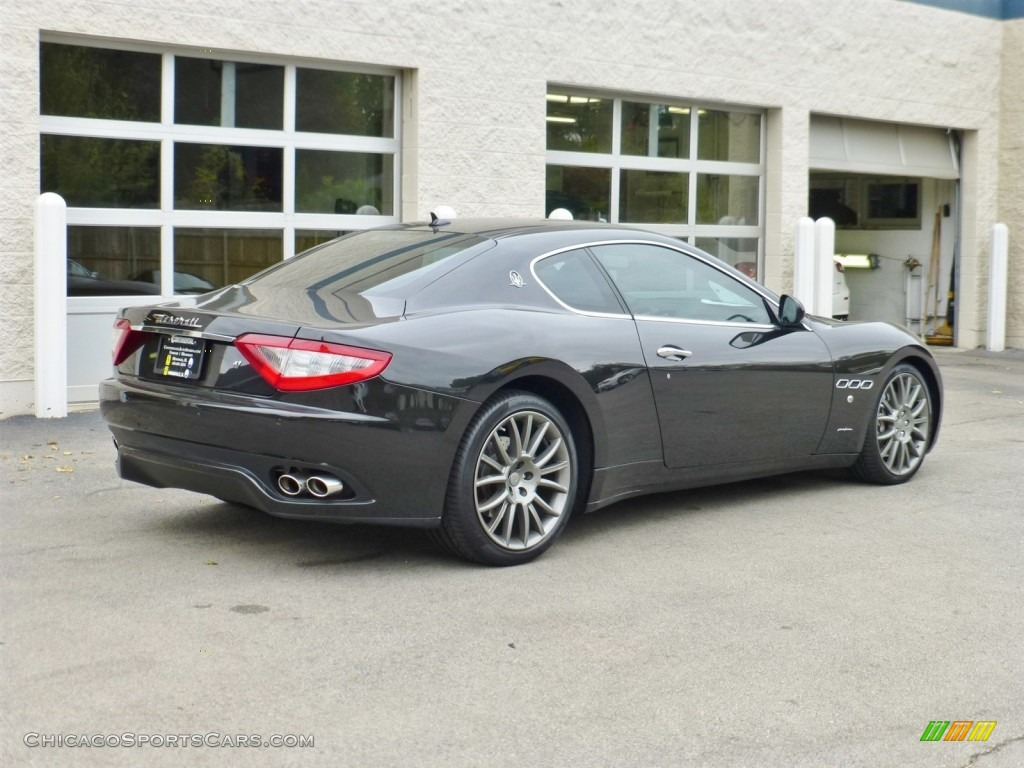 2009 maserati granturismo s in nero carbonio black photo. Black Bedroom Furniture Sets. Home Design Ideas
