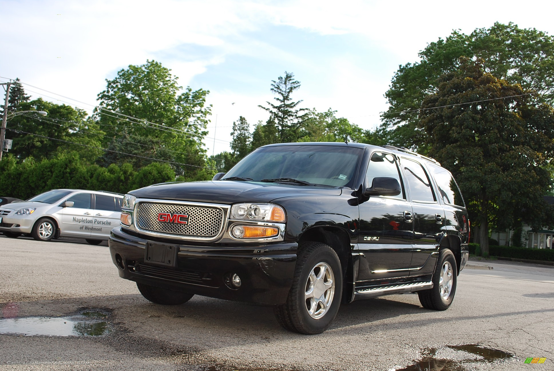 2002 gmc yukon denali awd in onyx black 213900. Black Bedroom Furniture Sets. Home Design Ideas