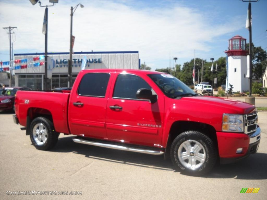 Superb img of 2009 Silverado 1500 LT Z71 Crew Cab 4x4 Victory Red / Ebony photo #1 with #BF0C2B color and 1024x768 pixels