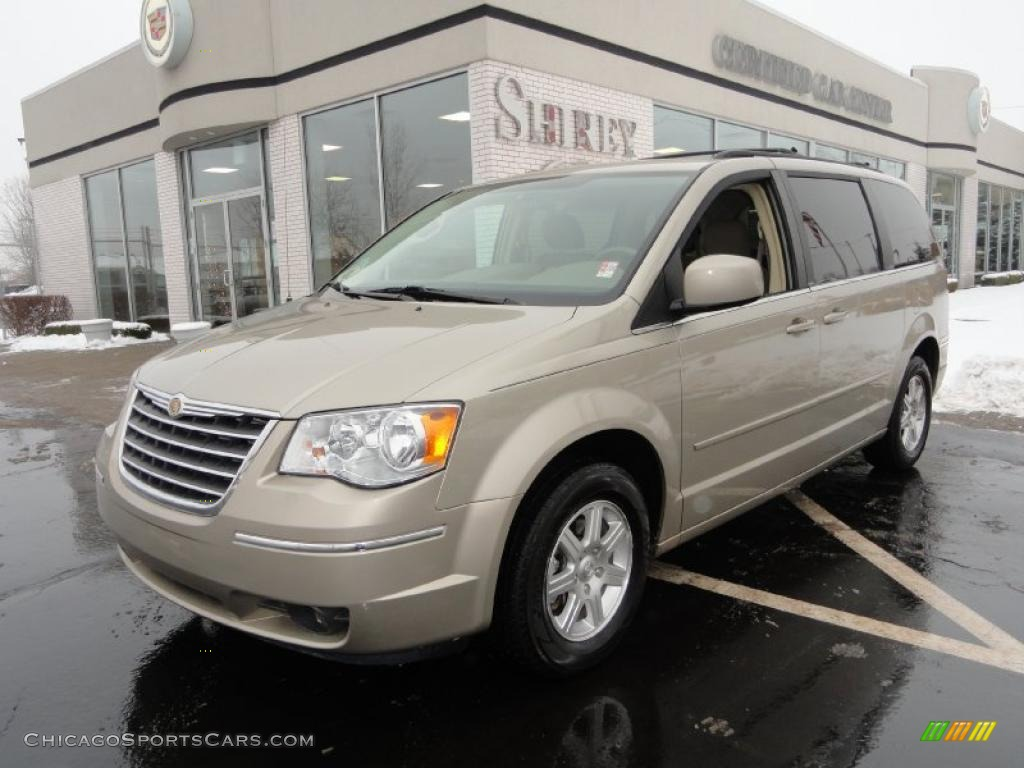 2008 chrysler town country touring in light sandstone metallic 610164 chicagosportscars. Black Bedroom Furniture Sets. Home Design Ideas