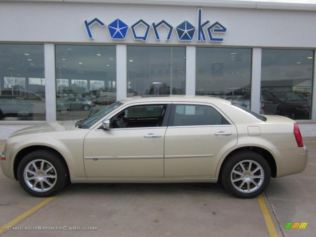 used 2005 chrysler 300 c hemi awd for sale stock 52074. Black Bedroom Furniture Sets. Home Design Ideas