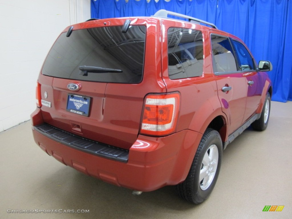 2010 Escape XLT - Sangria Red Metallic / Charcoal Black photo #9