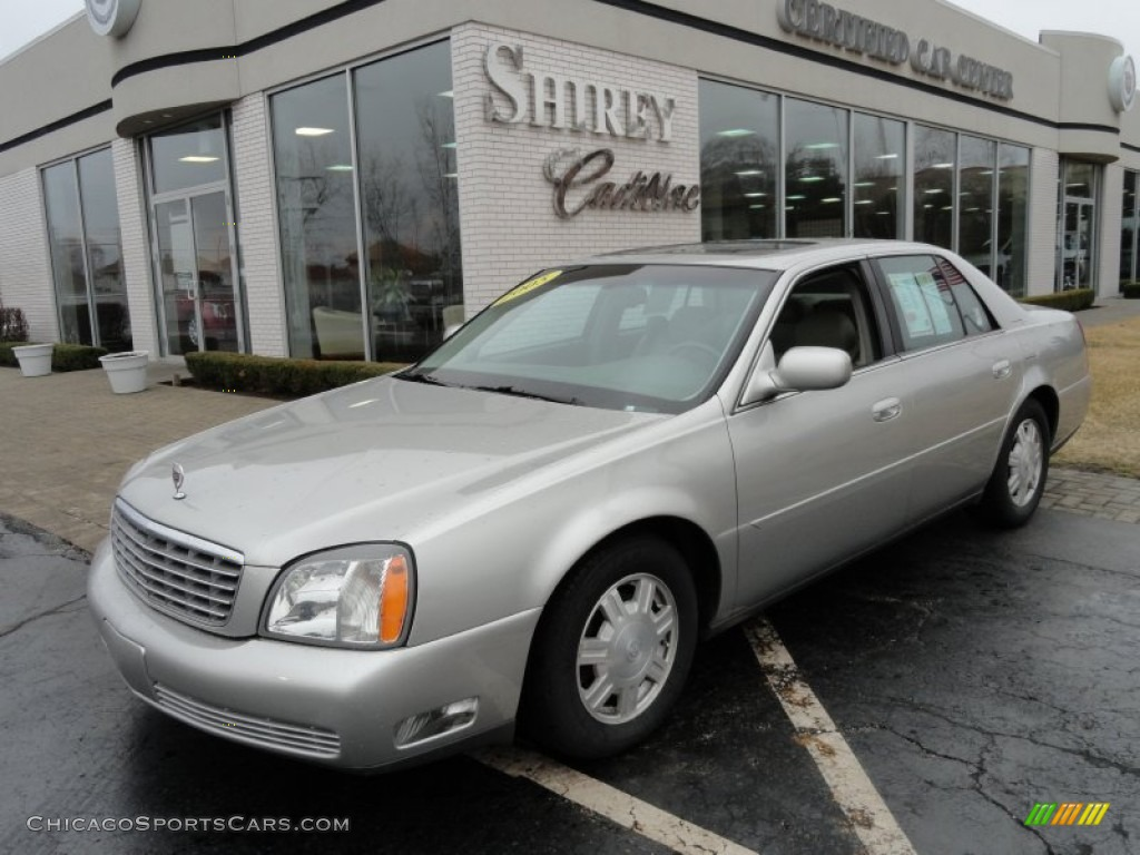 Light Platinum / Shale Cadillac DeVille Sedan
