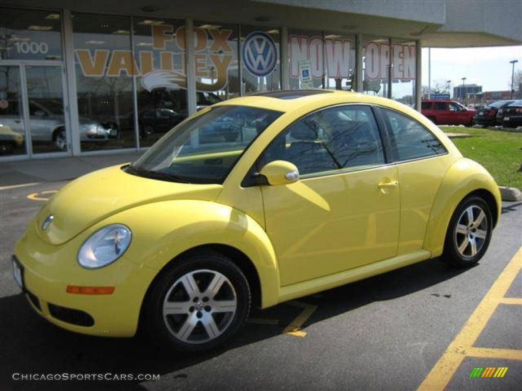 2006 volkswagen new beetle 2 5 coupe in sunflower yellow 402786 cars. Black Bedroom Furniture Sets. Home Design Ideas